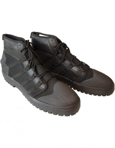 Stabil sko med skikkelig såle.